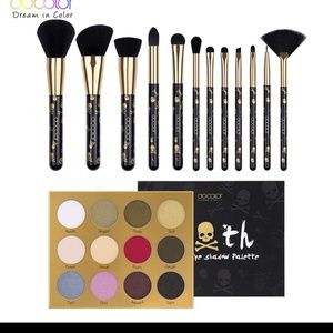 Goth 12 color eyeshadow palette & 12 pc. Brush set